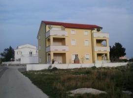Apartment Elza, Povljana