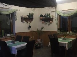 APÁLI ČÁRDA Restaurant & Pension