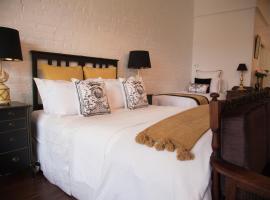 Chiltern Cottage and Indigo Suite, Chiltern