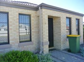 Queens Park Vacation Home, Cannington