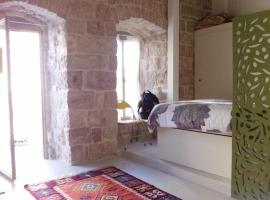 Charming Studio in Jerusalem Center, Jeruzalem