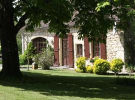 The Farmhouse, Naussannes