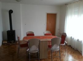 Nur Apartment, Mengeš
