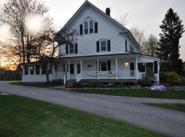 Pleasant Lake House B&B, Casco