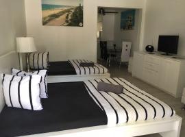 Luxury Studio near LINCOLN ROAD, Miami Beach