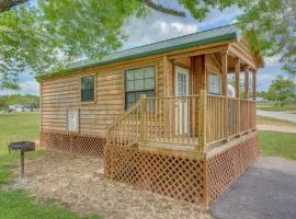Lake Conroe Full Studio Cabin 1, Willis