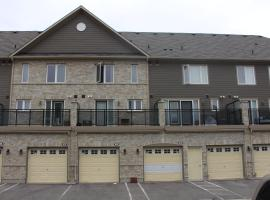 Luxury 3 Bedroom Townhouse, Mississauga
