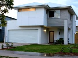 Petrie Beach Holiday Home, Mackay