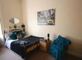 Marchmont Ground Floor Apartment, Edinburga