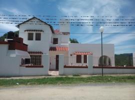 La Porteña, Villa Serranita