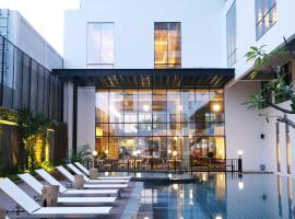GAIA Cosmo Hotel