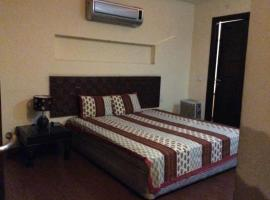 Redleaf Serviced Apartments, Kālkāji Devi