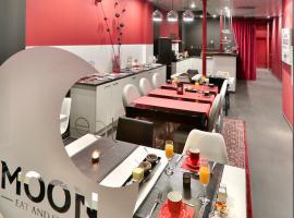 Hotel Moon, Sint-Niklaas
