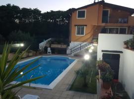Villa A.R., Linera