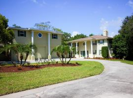 Waterfront Dolphin Cove Villa, Tarpon Springs