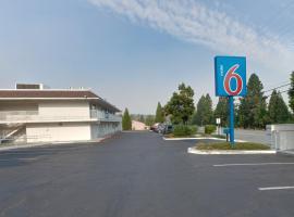 Motel 6 Weed - Mount Shasta, Weed