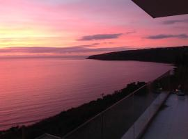 Seascape with Hot Tub & Sauna, Laxey