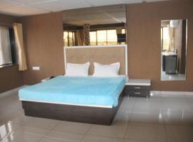 Dev Motel And Banquet Hall, Nadiād