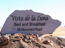 Vista de la Luna Bed & Breakfast, Buford