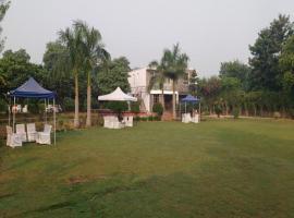 Club Awara Holiday Resort, Manesar
