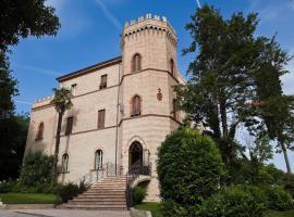 Castello Montegiove, فانو
