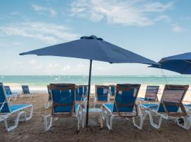 OCEAN VIEW DELUXE SUITE: PVT. BEACH & POOL, San Juan