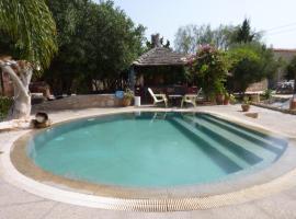 Villa Grenadine, Ghazoua