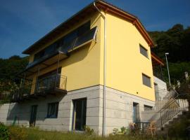 Casa Girasole, Contra