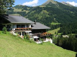 Villa Valluga, Mittelberg
