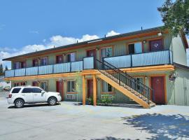 Moose Creek Inn, West Yellowstone