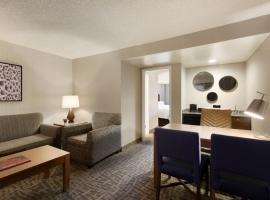 Embassy Suites by Hilton Santa Ana Orange County Airport, Santa Ana
