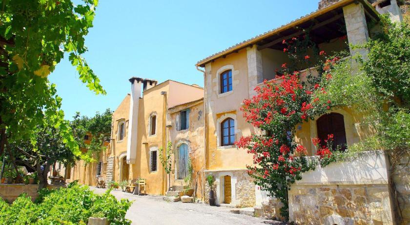 Kamares Houses, Hotel, Machairoi, Crete, 73003, Greece