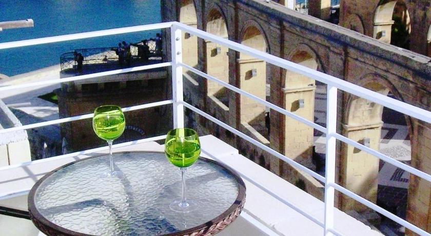 Romance and Honeymoon Options in Valletta, Malta
