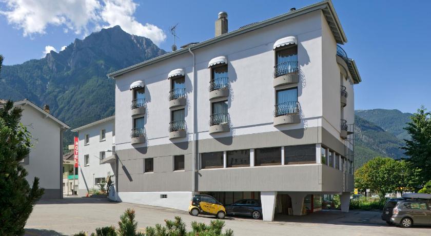 Hotel steakhouse central schweiz brig for Central de reservation hotel