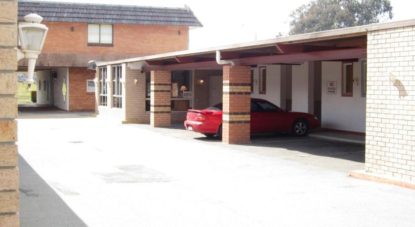 Motel Canberra Lyneham Motor