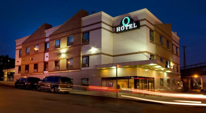hotels in new york near queens