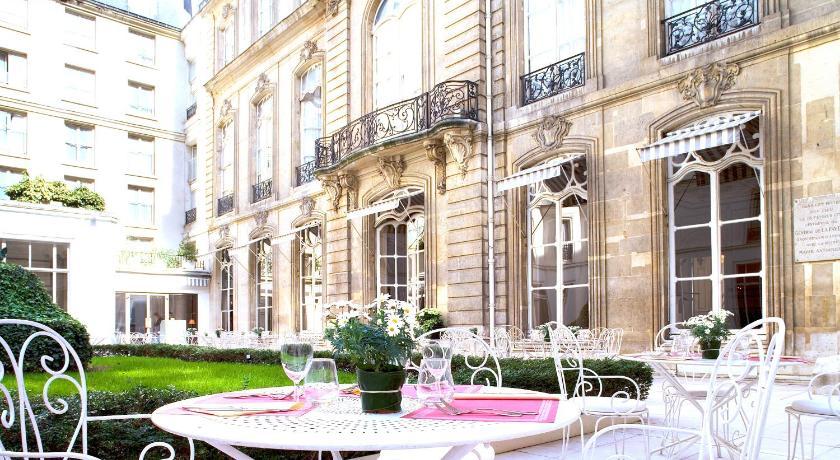 Saint james albany hotel paris france for Hotel france spa