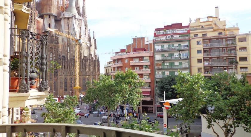 Gaudi Sagrada Familia (Barcelona)