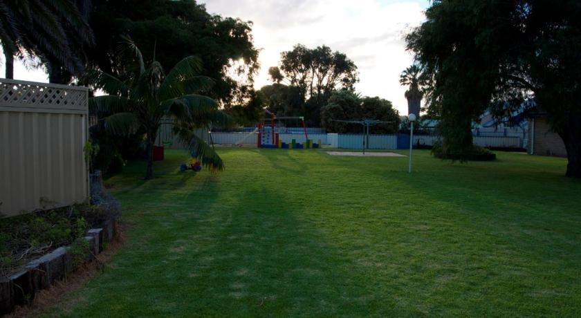 Resort Esperance Beachfront