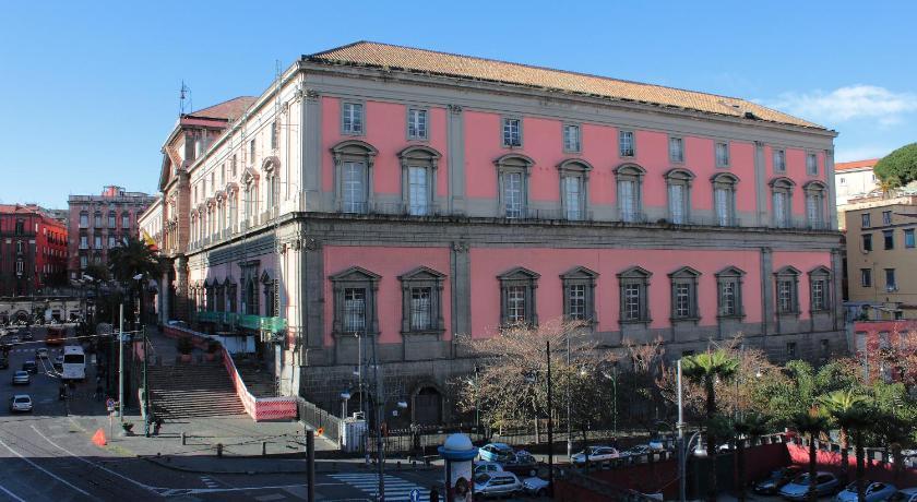 Al 68 Di Piazza Cavour (Neapel)