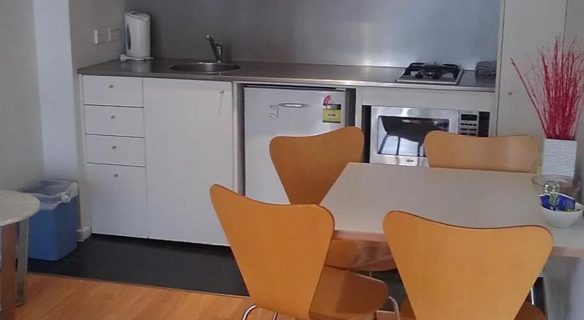 Ozstays Apartments