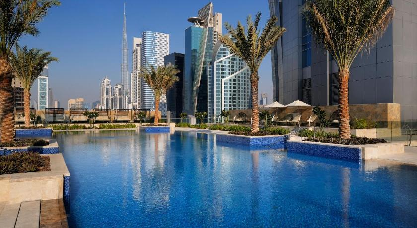 Jw marriott marquis hotel dubai uae for Top rated hotels in dubai