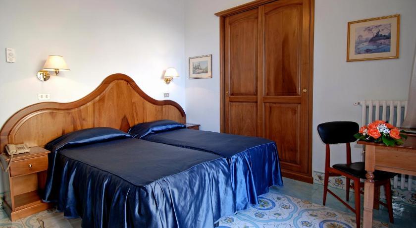 イタリア,アマルフィ,ホテル ラ ブッソラ(Hotel La Bussola)