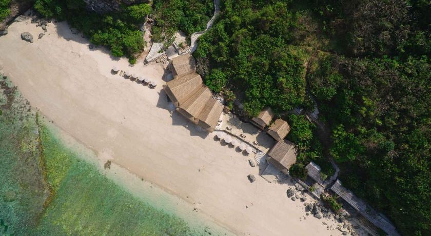 Akomodasi Bali Semara Luxury Villa Resort Uluwatu Bali