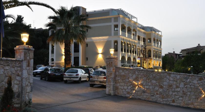 Autotour corfou la gr ce autrement for Boutique hotel quartier du port