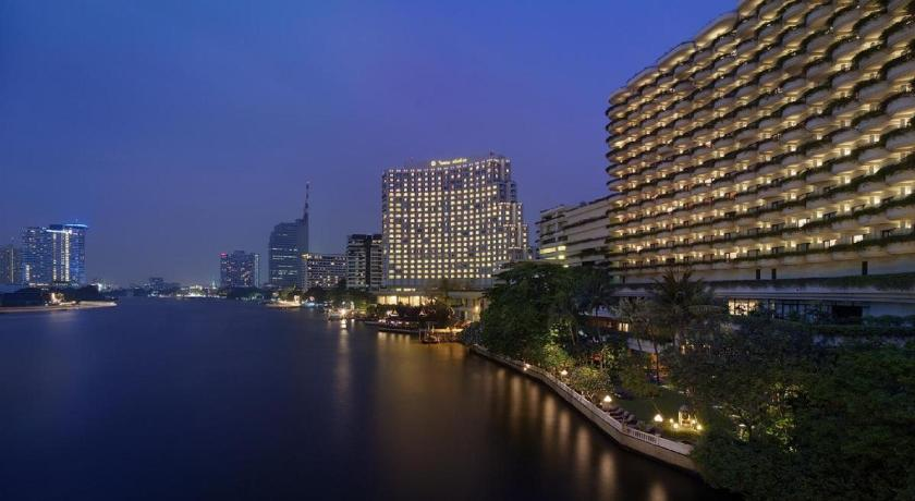 Shangri-La Hotel Bangkok, Thailand - Booking.com