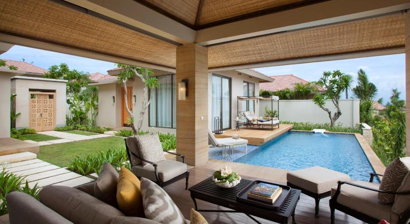 mulia villas nusa dua indonesia. Black Bedroom Furniture Sets. Home Design Ideas