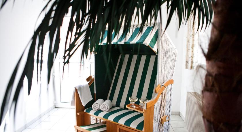 Vermietung von Ferienobjekten, Ferienhäuser, Pensionen, Ferienwohnungen, Appartements, Ferienzimmer Insel Amrum, an der Nordsee und Ostsee, auf den Inseln, in Deutschland, Europa und Weltweit