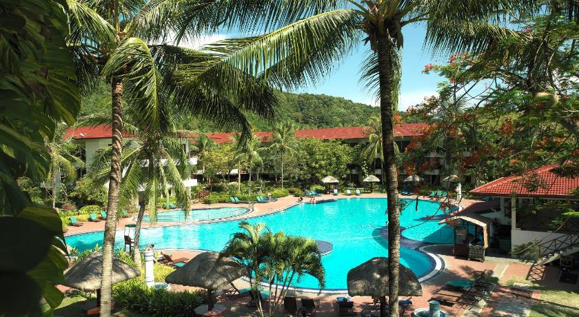 Holiday Villa Beach Resort and Spa Langkawi 4*