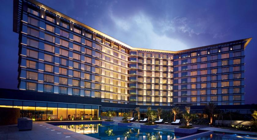 hotel vivanta taj yeshwantpur bangalore india. Black Bedroom Furniture Sets. Home Design Ideas